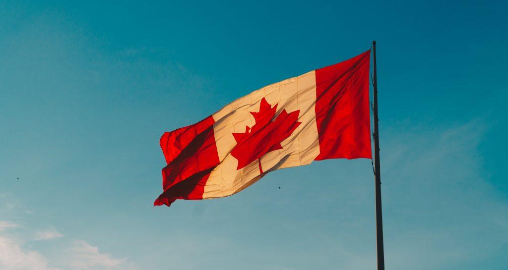 九万留学生和外劳将获得加拿大永久居留权:加拿大设立新的移民通道