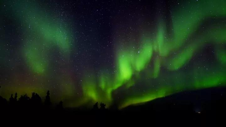 与欧若拉女神共舞:加拿大极地户外不可错过的追光之旅