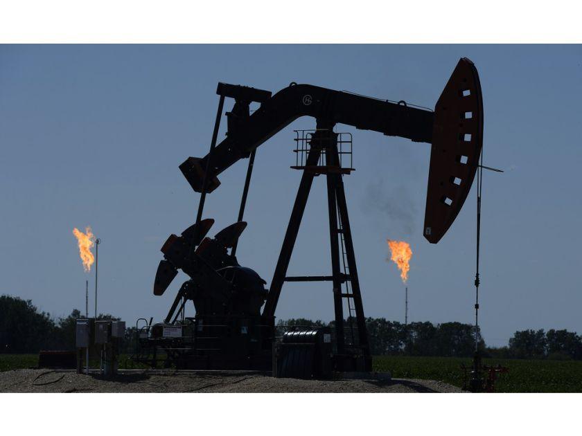 """加拿大跨山输油项目停滞 原油价格跌成""""白菜价"""""""